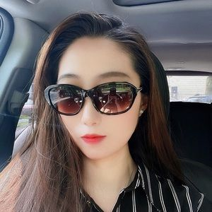 ✨NEW Nina Ricci UV Sunglasses 🕶